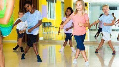 Danse, zumba, hip-hop, activités sportifs pour les adultes proposés par l'association BE API à Echirolles